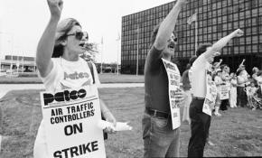 PATCO strikers on the picket line