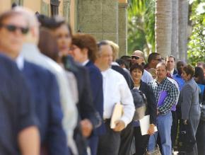 Job seekers looking for work in Florida