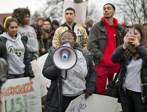 Students protest the bigoted Theta Tau fraternity at Syracuse University