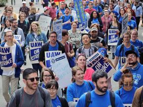 Academic student workers walk out at the University of Washington