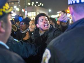 Protesters demand justice for Laquan McDonald in Chicago